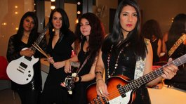 Honey Pie la banda femenina que hace tributo a The Beatles