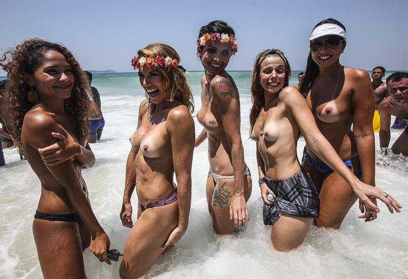 chicas desnudas playa videos por no gratis