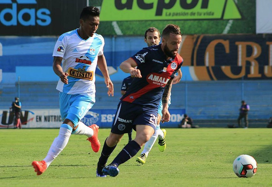 ​Deportivo Municipal golea 2-0 a Sporting Cristal en estadio Alberto Gallardo (VIDEO)