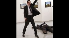 World Press Photo sucumbe ante la imagen del asesino del embajador ruso
