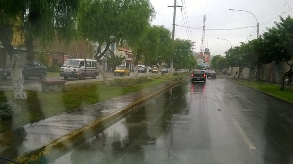 Trujillo: Torrencial lluvia sorprende a trujillanos (VIDEO)