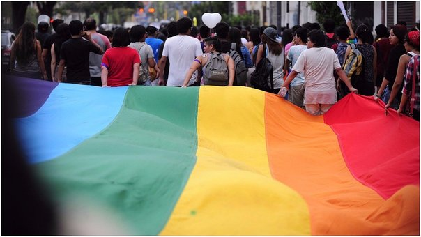 PUCP aprueba reforma en beneficio de sus universitarios transexuales (VIDEO)