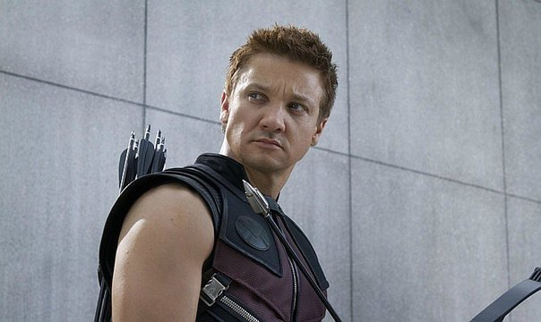 Jeremy Renner sufrió un accidente en el set de