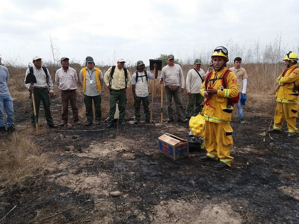 Tumbes: Guardaparques se capacitan ante incendios forestales