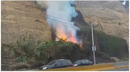 Costa Verde: Incendio se registra en acantilado de Barranco y causa pánico (VIDEO)