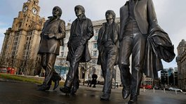 Inauguran una estatua de The Beatles en Liverpool