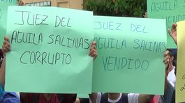 Iquitos: Estudiantes universitarios protestan frente a sede del Poder Judicial (FOTOS y VIDEO)