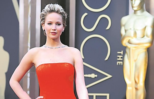 "Jennifer Lawrence se encuentra ""horrorizada"" por fotos íntimas"