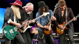 Slash recibió importante premio Les Paul