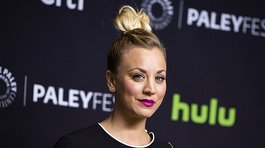 The Big Bang Theory: mira el topless de Kaley Cuoco en Snapchat