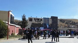 Universitarios toman local de la UNA en protesta contra nueva ley laboral