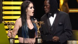 ​YouTube: WWE hace parodia del error del Miss Universo