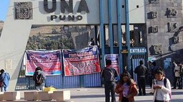 Catedráticos deciden tomar local e interrumpir labores en universidad de Puno