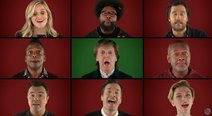 Paul McCartney, Scarlett Johansson y otras estrellas de Hollywood cantan villancico (VIDEO)