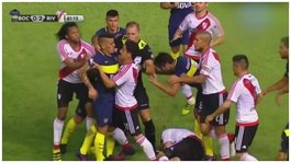 YouTube: la vergonzosa pelea entre integrantes del River Plate y Boca Juniors en el Superclásico (VIDEO)