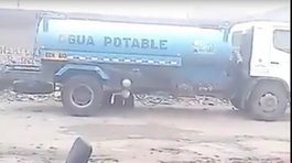 Chiclayo: Graban robo de combustible de un vehículo del Estado (VIDEO)