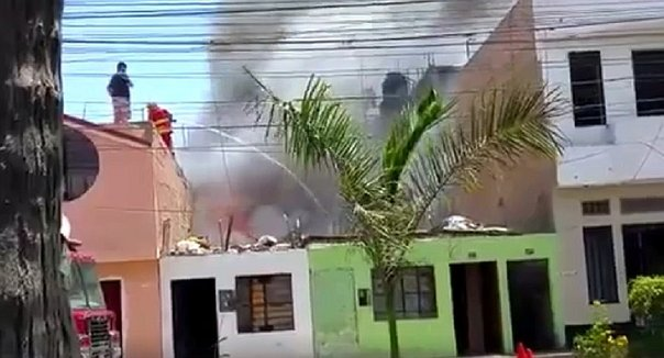 ​Huaura: Incendio consume por completo una casa (VIDEO)