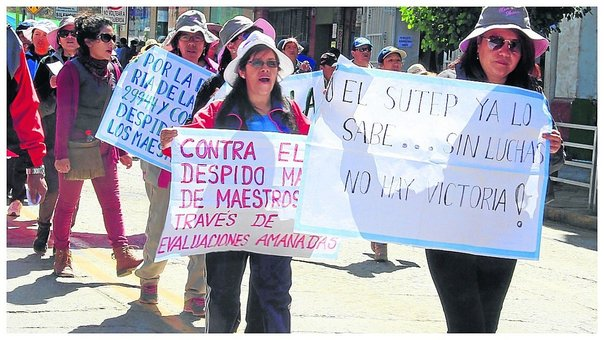 Docentes salen a protestar y se pelean con transportistas (VIDEO)