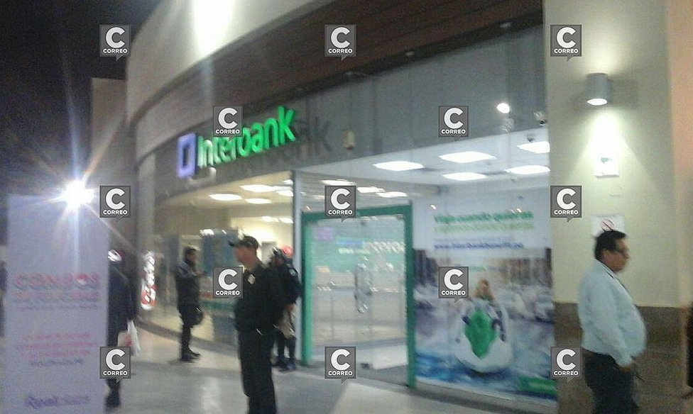 Hombres armados asaltan Interbank del Real Plaza (VIDEO y FOTOS) — Chorrillos