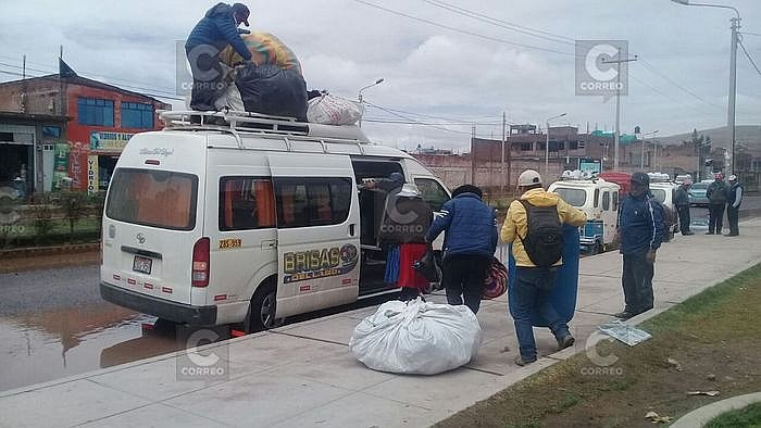 ​Terminal de Juliaca se inunda y transportistas invaden calles (FOTOS y VIDEO)