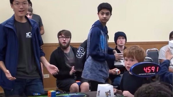 YouTube: Surcoreano bate récord mundial en armar cubo de Rubik (VIDEO)