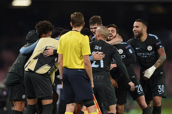 Champions League: ​Mánchester City vence 4-2 a Nápoles y avanza a octavos (VIDEO)
