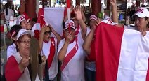​Comerciantes cambian uniforme y se visten de blanco y rojo (VIDEO)