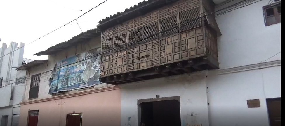 Techo de antigua casona  se desploma  (VIDEOS)