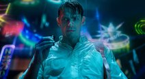 Netflix estrena  video especial de 'Altered Carbon' por el Día de San Valentín