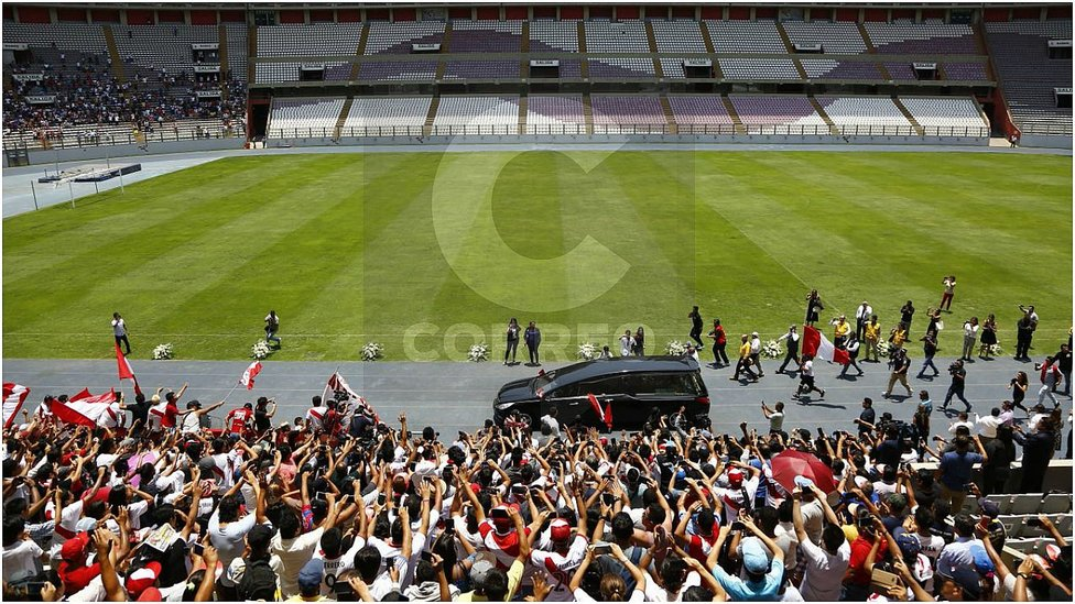 Daniel Peredo recibió emotiva despedida en el Estadio Nacional (VIDEO y FOTOS)
