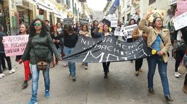 Mujeres marchan en Cusco contra el feminicidio (VIDEO)