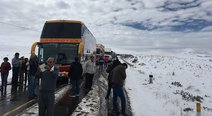 Tormentas de nieve bloquean vías y causan accidentes en Cusco ( FOTOS)