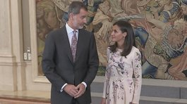 Incidente entre la reina Letizia y el rey Felipe se vuelve viral (VIDEO)