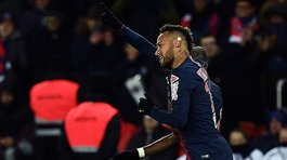 Neymar renueva su look antes de su regreso al Paris Saint Germain