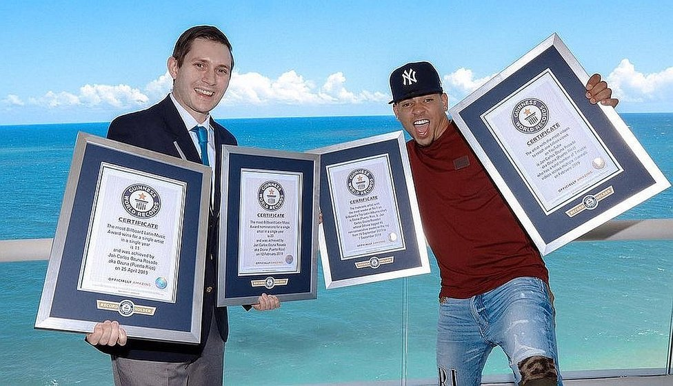 Ozuna ingresó a la nueva edición del libro Guinness World Records 2020 (FOTOS)