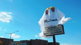 Local de Burger King se disfrazó de McDonald's por Halloween