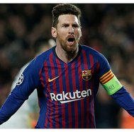 ​Lionel Messi hizo vibrar al Camp Nou con un golazo al Lyon (VIDEO)