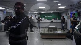 Capturan a dos sujetos que intentaron asaltar en una entidad bancaria en Breña (VIDEO y FOTOS)